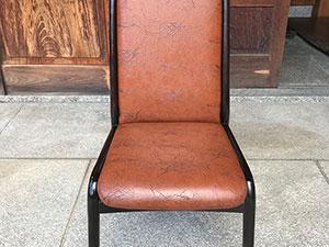 【鳥取家具工業製】の食堂椅子張替