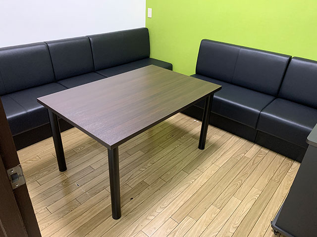 カラオケ店舗 オーダーソファ&テーブル製作