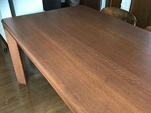 日進木工テーブル塗り直し