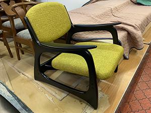 コスガ肘付き椅子張替&塗り直し